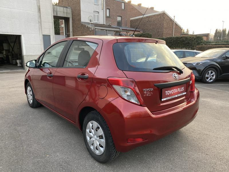 Toyota Yaris 1,0 VVT-i 5MT - photo 2